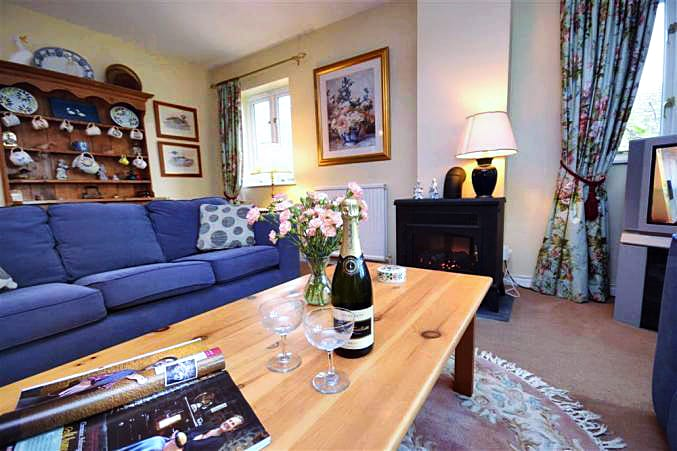 Higher Beneknowle Cottage Holiday Cottage