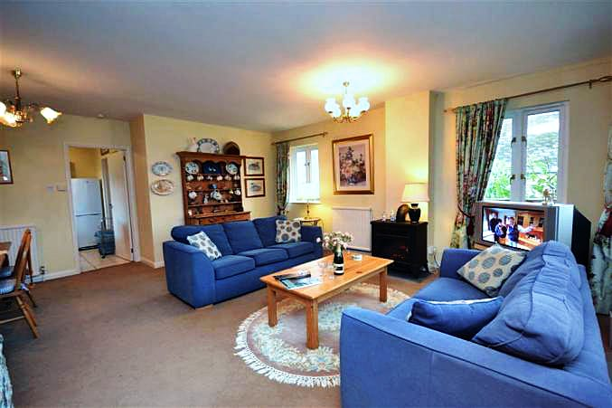 Higher Beneknowle Cottage is located in Diptford